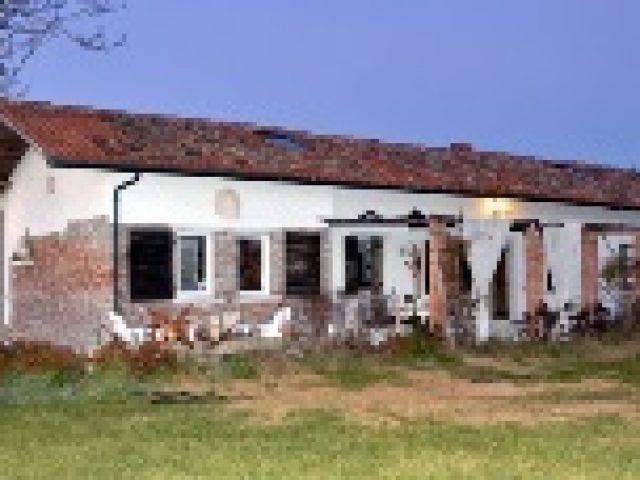 Handrich House